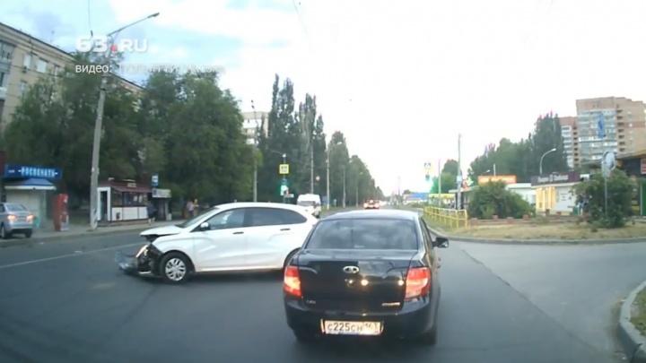 Появилось видео момента крупного ДТП в Тольятти
