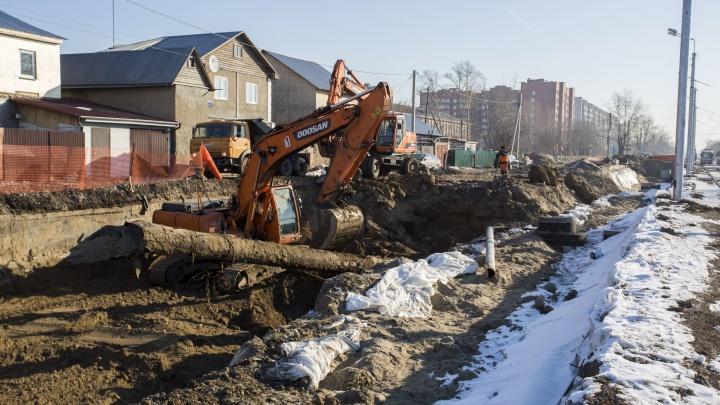 Дорогу строят, стены трещат: дом сибирячки трясёт из-за стройки дороги до нового микрорайона
