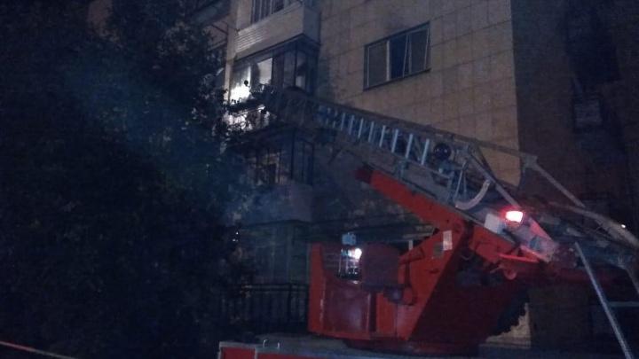 Ночной пожар в Башкирии: огонь уничтожил две квартиры в жилом доме