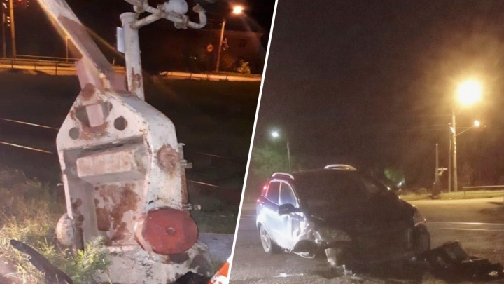 В Рыбинске иномарка протаранила шлагбаум на железнодорожном переезде