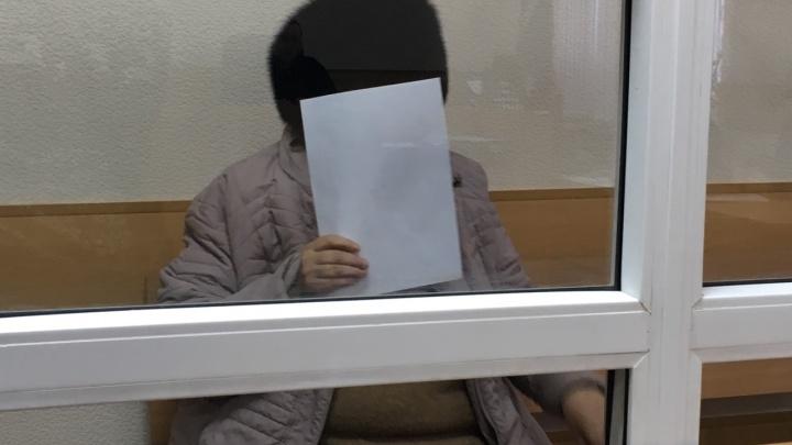 «Тяжело болею и знаю, сколько мне осталось»: фигурантке дела о приюте «Надежда» в суде вызвали врача