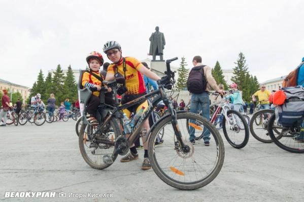 На велопарад курганцы приезжают семьями