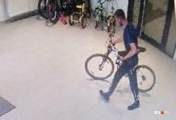 Это не первый случай кражи велосипеда за плечами этого мужчины