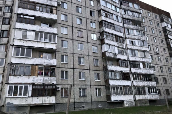 Хозяин одной из квартир на Стахановцев, 1 обнаружил прописанных без его ведома незнакомцев в платежке за коммунальные услуги: плата за вывоз мусора возросла в разы