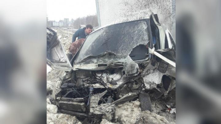 Резали кузов: в страшном ДТП в Ярославской области столкнулись две «Газели»