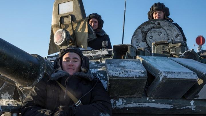 Тот же биатлон, только на танках: как чебаркульские военные готовятся к соревнованиям