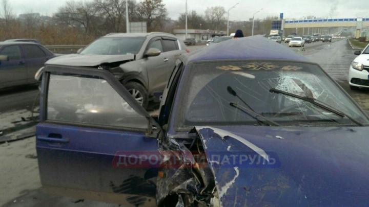ДТП на трассе в Башкирии: внедорожник столкнулся с легковушкой