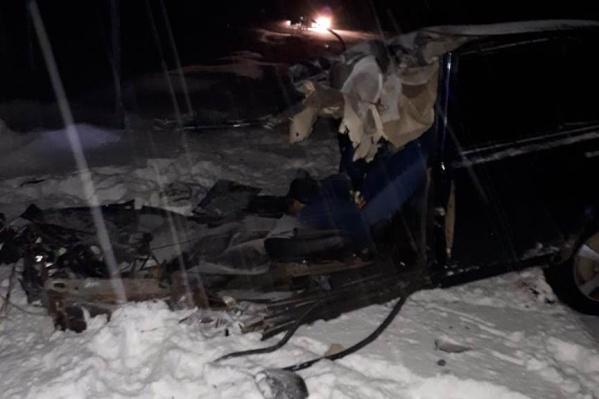 ВАЗ-2107 иScania столкнулись около поселка Угузево