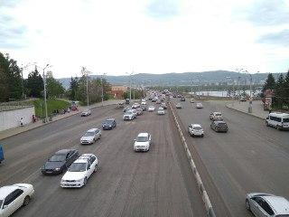 В центре меняют схему движения из-за ремонта Коммунального моста и перекрытий