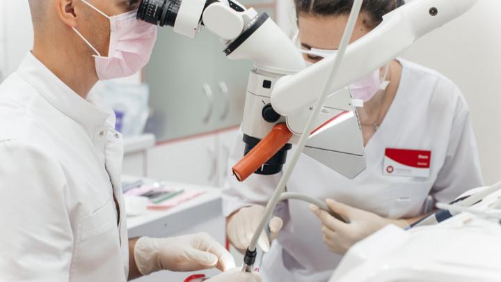 Пациенты новосибирской клиники экономят сотни тысяч на лечении зубов