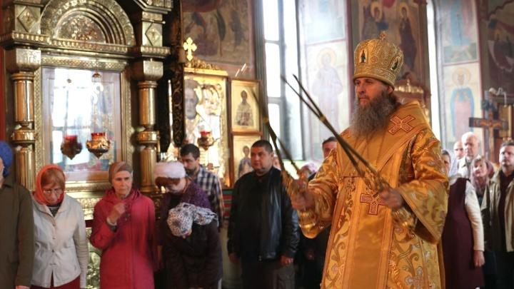 Новый митрополит прибыл в Курган. Владыка провел первую службу и встретился с главой региона