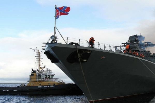Большие боевые корабли прибыли в порт Дудинки