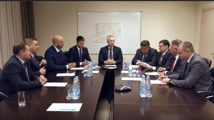 Над роликом — поздравлением с Днём энергетика из Красноярска стали потешаться в Москве