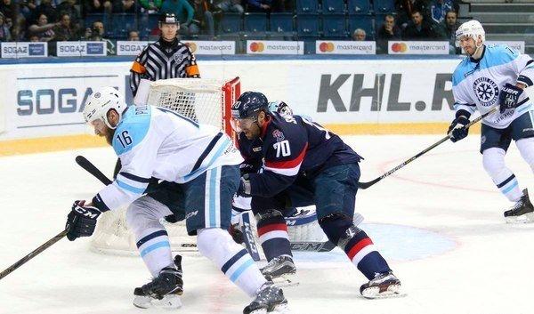 Хоккей: «Сибирь» проиграла второй матч в сезоне