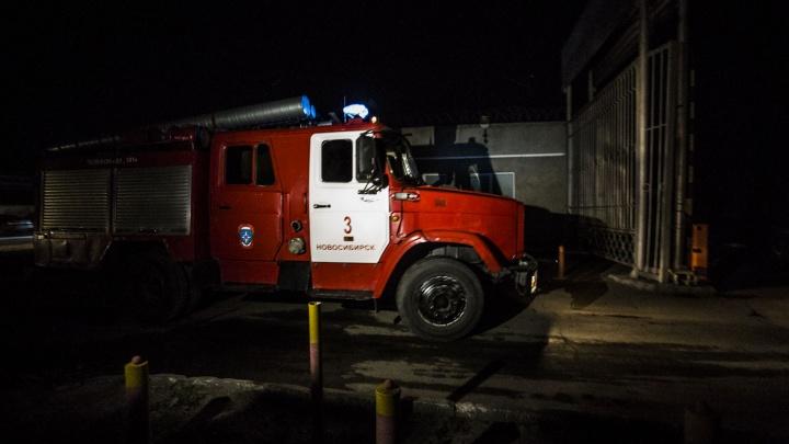 Троллейбус №24 приехал на ремонт в депо и сгорел