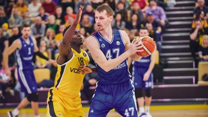 «Все бывает в первый раз»: БК «Новосибирск» проиграл сахалинскому «Востоку-65»в матче Суперлиги