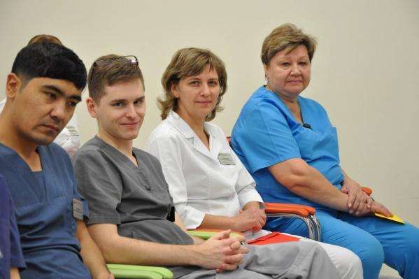 На общей планерке выделили лучших и среди старшего медицинского персонала, и среди младшего