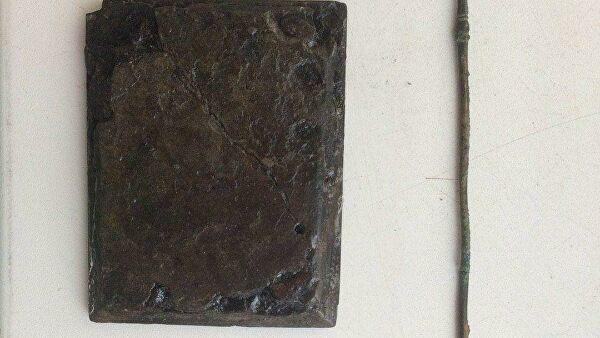 В Танаисе раскопали уникальный античный медицинский инструмент