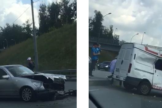 На месте аварии работали врачи скорой помощи