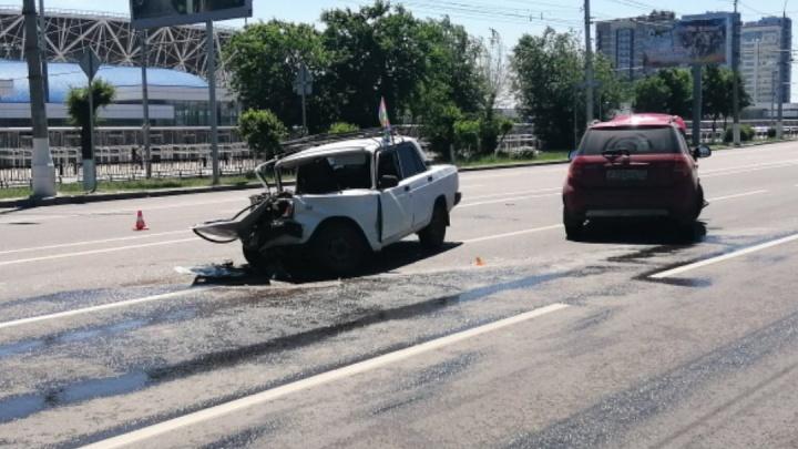 Suzuki вылетела на встречку: у «Волгоград Арены» произошла жуткая авария — онлайн-трансляция