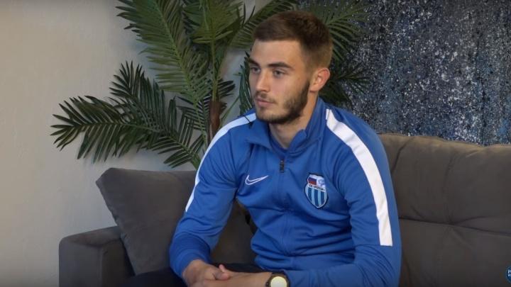 Грозненский «Ахмат» хочет купить защитника «Ротора» Максима Ненахова