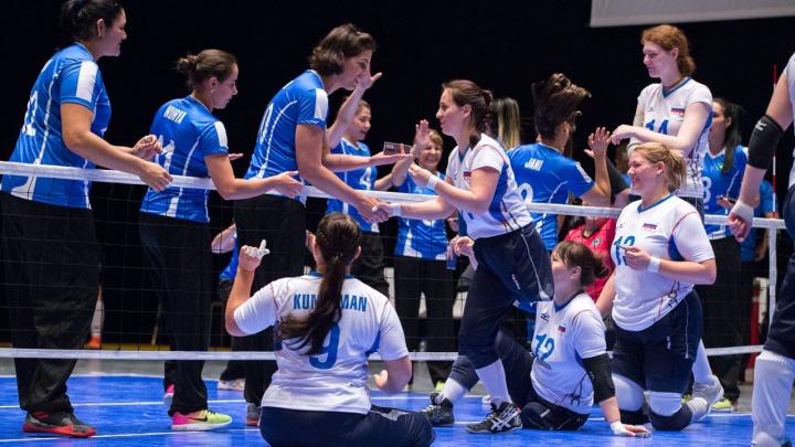 Архангельская спортсменка с кибер-рукой стала чемпионом мира по паралимпийскому волейболу