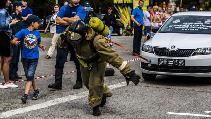 По тысяче с каски: сотрудников МЧС попросили скинуться на соревнования