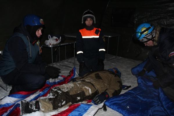 Задача студентов— оказать первую помощь пострадавшим