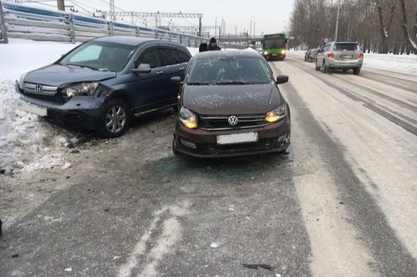 Авария произошла из-за колеи на дороге