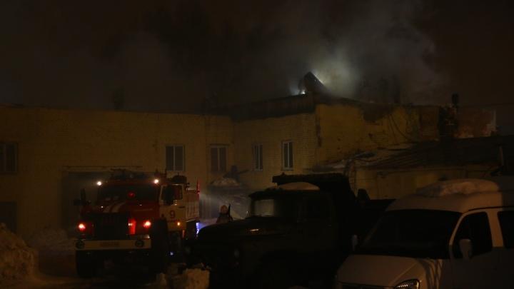В Самаре горело здание, принадлежащее Минобороны России
