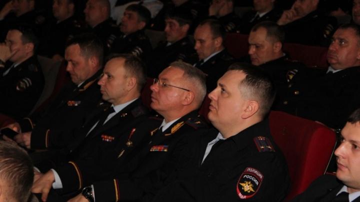Начальников полиции отправили на просмотр фильма «Движение вверх» ради патриотического воспитания
