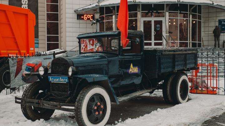 На чём ты ездишь: в частном музее тюменца стоит машина, которых осталось всего несколько в мире