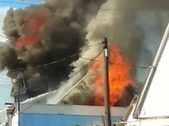 Повсюду разлит бензин: в Нефтекамске сгорел жилой дом