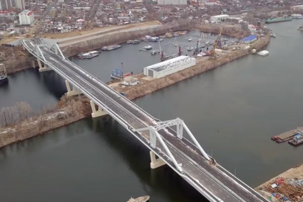 Кажется, уже скоро автомобилисты смогут проехать по мосту