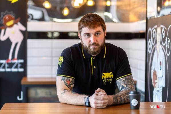 Антон Клыков хотел свой бизнес и придумал с другом суп-фастфуд