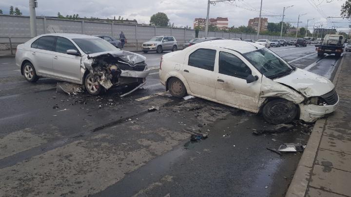 Опять Самара встала! Крупное ДТП парализовало движение на Московском шоссе
