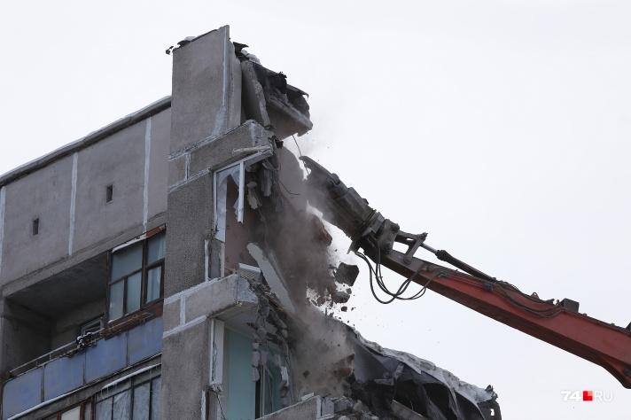 Некоторые семьи, жившие в разрушенном взрывом доме, уже получили новое жильё