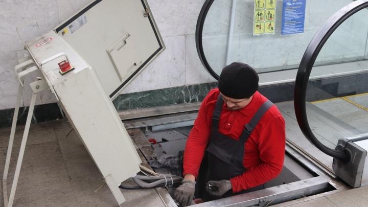 Долгожданный ремонт: в уфимском ж/д вокзале приведут в порядок эскалатор
