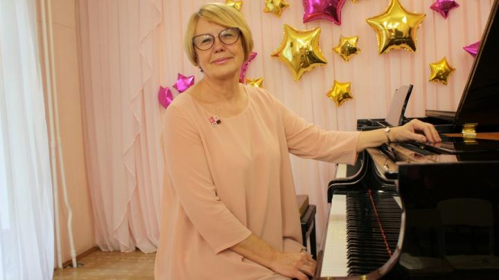 Рояль от Дмитрия Маликова и 40 лет стажа: рассказываем об учителе музыки Ольге Розенбергер