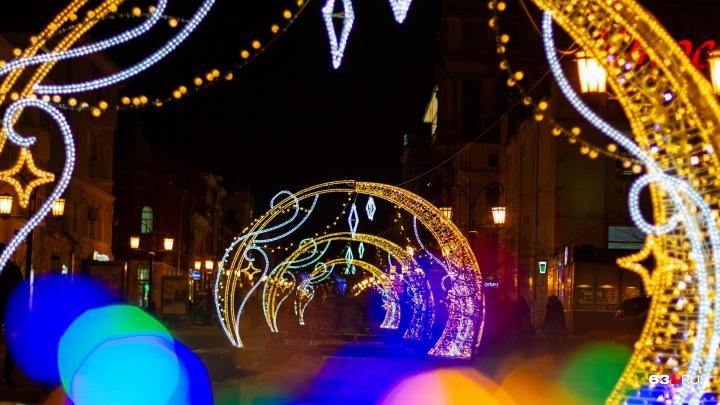 Новогодние украшения на улицах Самары включат к началу декабря