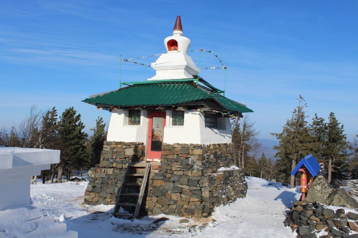 Попасть в буддийский монастырь