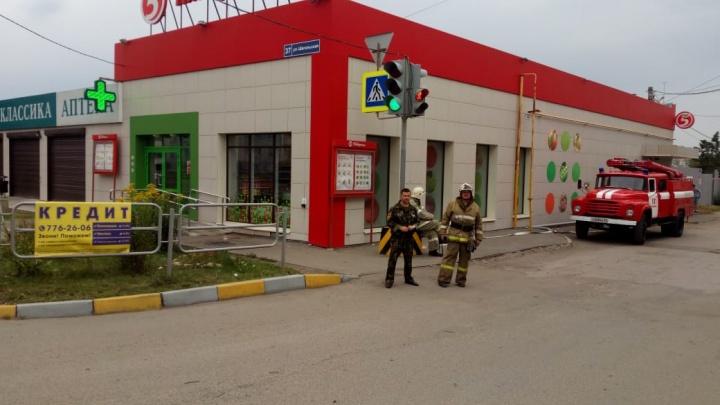 «Подозрение на взрывное устройство»: из «Пятёрочки» в Челябинске вывели людей из-за находки прохожих