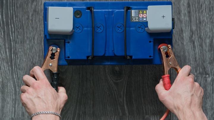 Заряжайся: меняем аккумулятор и масла к зиме
