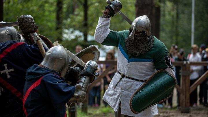 Скрестили мечи: 15 лучших фото рыцарей и прекрасных дам с «Княжьего двора»