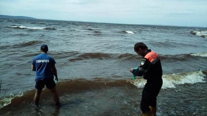 Опознали по татуировке: под Тольятти спасатели нашли погибшего пассажира гидроцикла