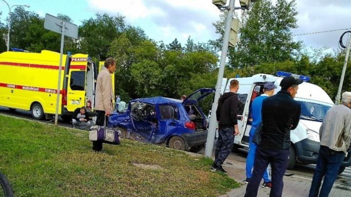 Омич, устроивший смертельное ДТП на набережной, выплатит 950 тысяч родственникам погибшего