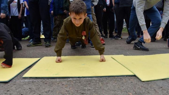 В память о подвиге: жители Башкирии бьют «Рекорды Победы» по отжиманию