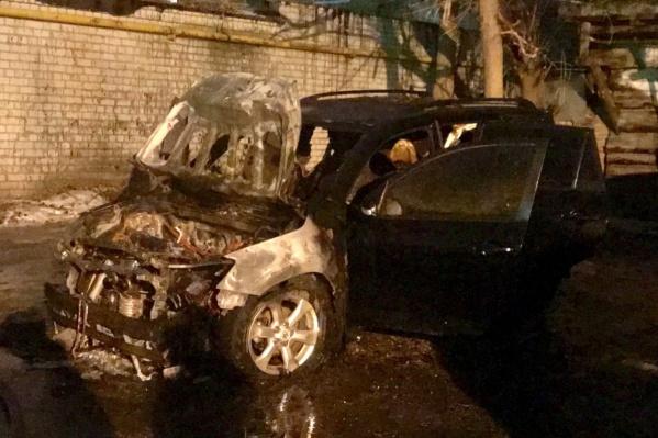 Местные считают, что авто подожгли