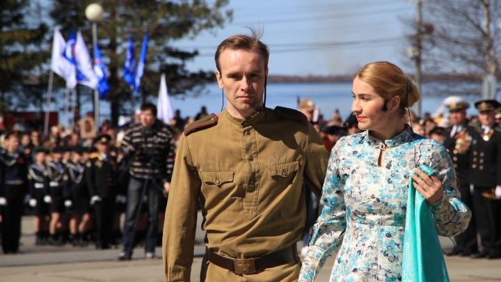 Встреча поколений, которая пока еще возможна: фоторепортаж с парада Победы в Архангельске