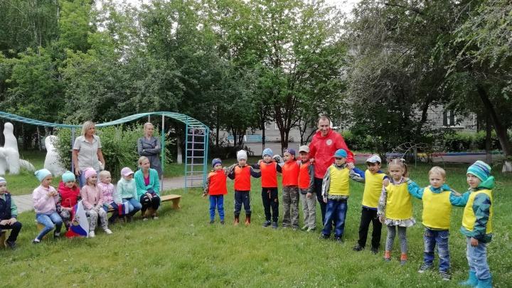 Детсадовцы под видом сборной России и Хорватии сыграли в футбол. Сборная России победила